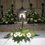 Decoración flores para altar