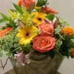 Centro de flores en cesta de cinc