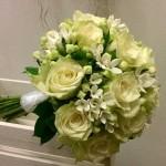 ramo de novia de rosas y bouvardia